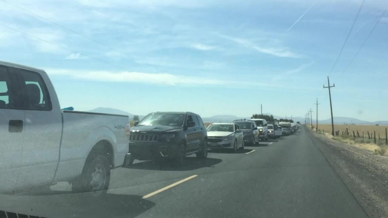 Traffic backs up as visitors arrive at Solartown