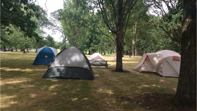 Video: Eclipse campers setting up at city parks