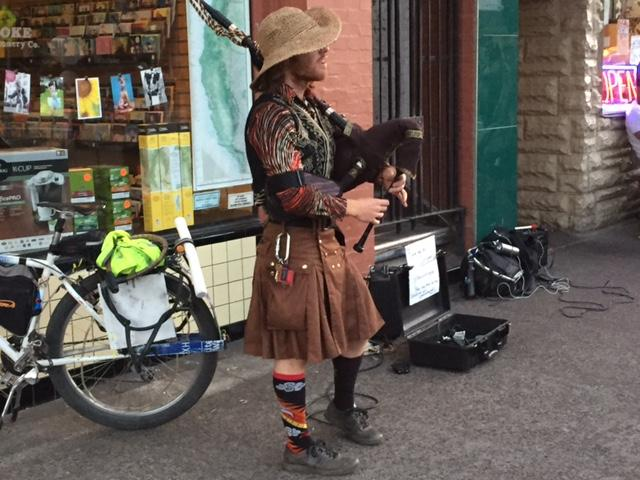 VIDEO: Space Wizard Bagpipes plays Salem before the eclipse