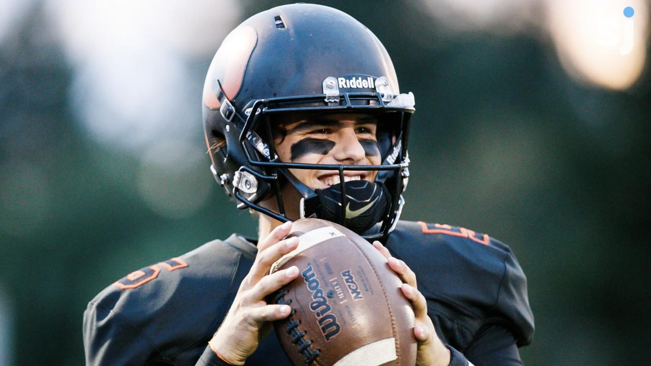 The All Mid-Valley football team is revealed, along with the finalists for the Statesman Journal Sports Awards.