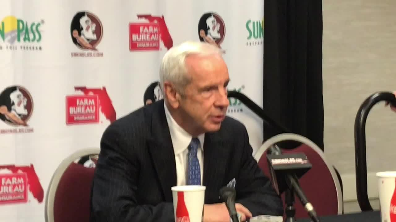 FSU coach Leonard Hamilton and UNC coach Roy Williams talk after the Seminoles defeated the Tar Heels 81-80