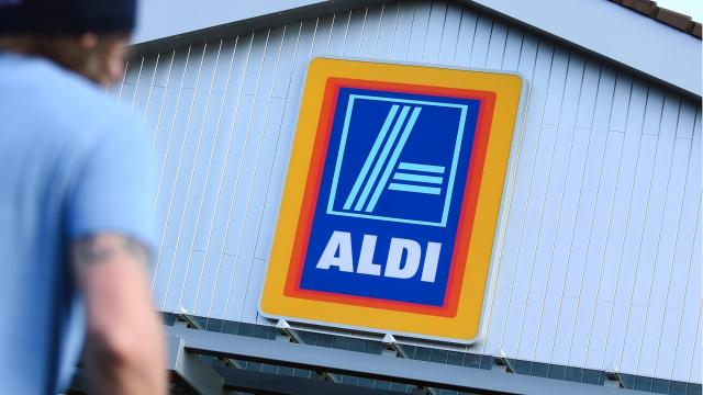 Grocery chain Aldi, which currently has about 1,700 stores in the United States, plans to open 800 more by 2022.