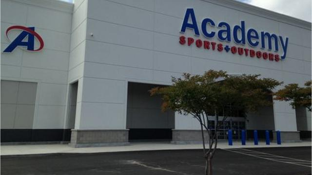 Watch It Academy Sports Fires Manager Who Stopped Handgun Thief