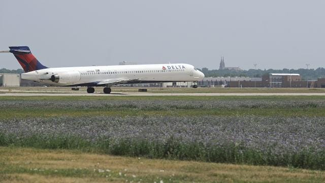 Five airlines provide 10 direct destinations from the Sioux Falls Regional Airport.