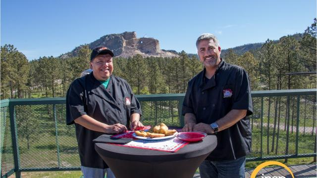 "A new episode of ""State Plate"" hosted by American Idol winner Taylor Hicks and featuring South Dakota cuisine premiers Friday, September 29 at 7 p.m. on family-entertainment network INSP."