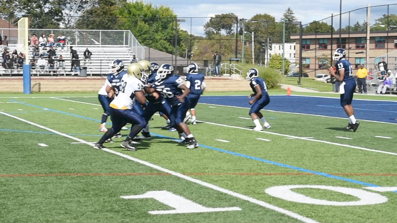 A few short highlights from the Poughkeepsie v. Beacon football game.