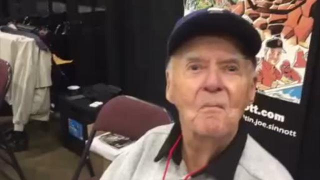 "Marvel ""inker"" Joe Sinnott talks joy of comic book shows"