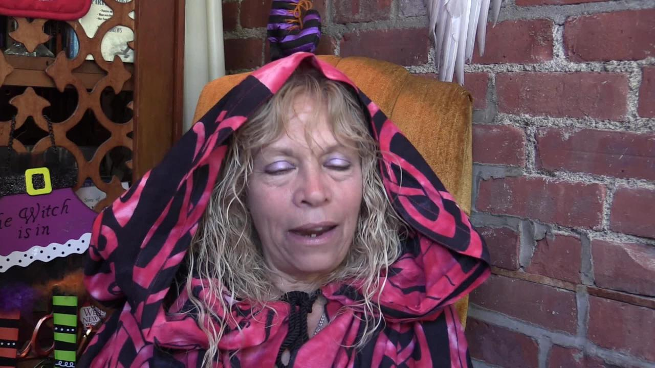 Video: An adult who loves all things Halloween