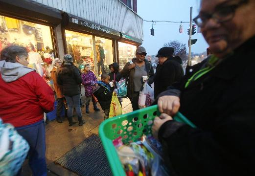 Video: Poughkeepsie's Christmas on the Corner