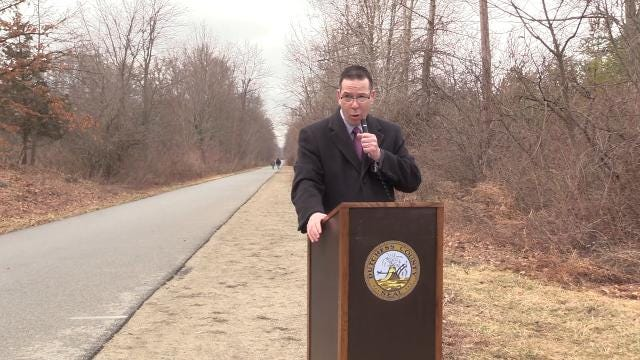 Keith Axelrod, president of the MidHudson Road Runners Club announces the return of the Run For Heroes 5K and 10K races to the Dutchess Rail Trail, as well as the date for the 2018 Dutchess County Classic race.