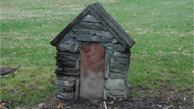 Roadside markers were erected in 1775 at 1-mile intervals as part of the post office's early postage pricing process. Video by Barbara Gallo Farrell/Poughkeepsie Journal
