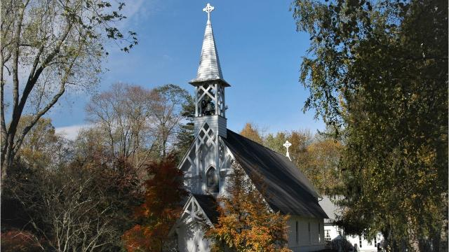 St. Peter's of Lithgow was founded in 1801 to provide a closer place of worship for members of Christ Church in the City of Poughkeepsie. Video by Barbara Gallo Farrell/Poughkeepsie Journal
