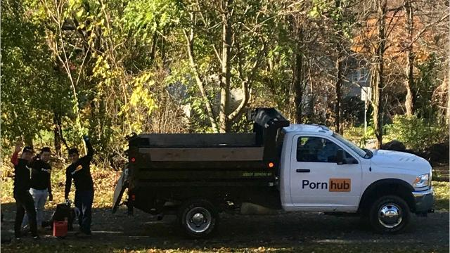 Yes, Pornhub did remove leaves from several Dutchess County homes for free in early November. Hundreds of people requested the service, and dozens received it. Video by Jack Howland/Poughkeepsie Journal
