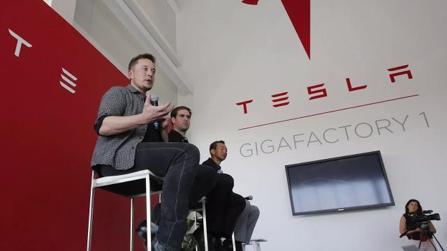 Bots & batteries: How to get a Gigafactory job