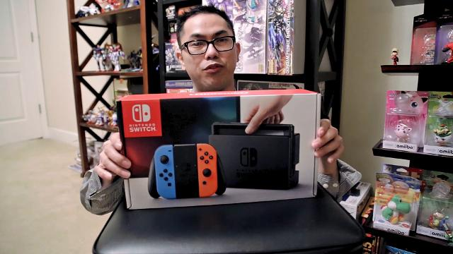 The RGJ's Jason Hidalgo sets forth past the midnight hour in Reno in order to pick up his new Nintendo Switch console and chat with some kindred spirits. Plus a quick unboxing!