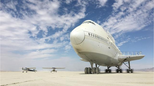 Prime Pilots Find 747 Art Car Parked In The Desert After Burning Man Machost Co Dining Chair Design Ideas Machostcouk