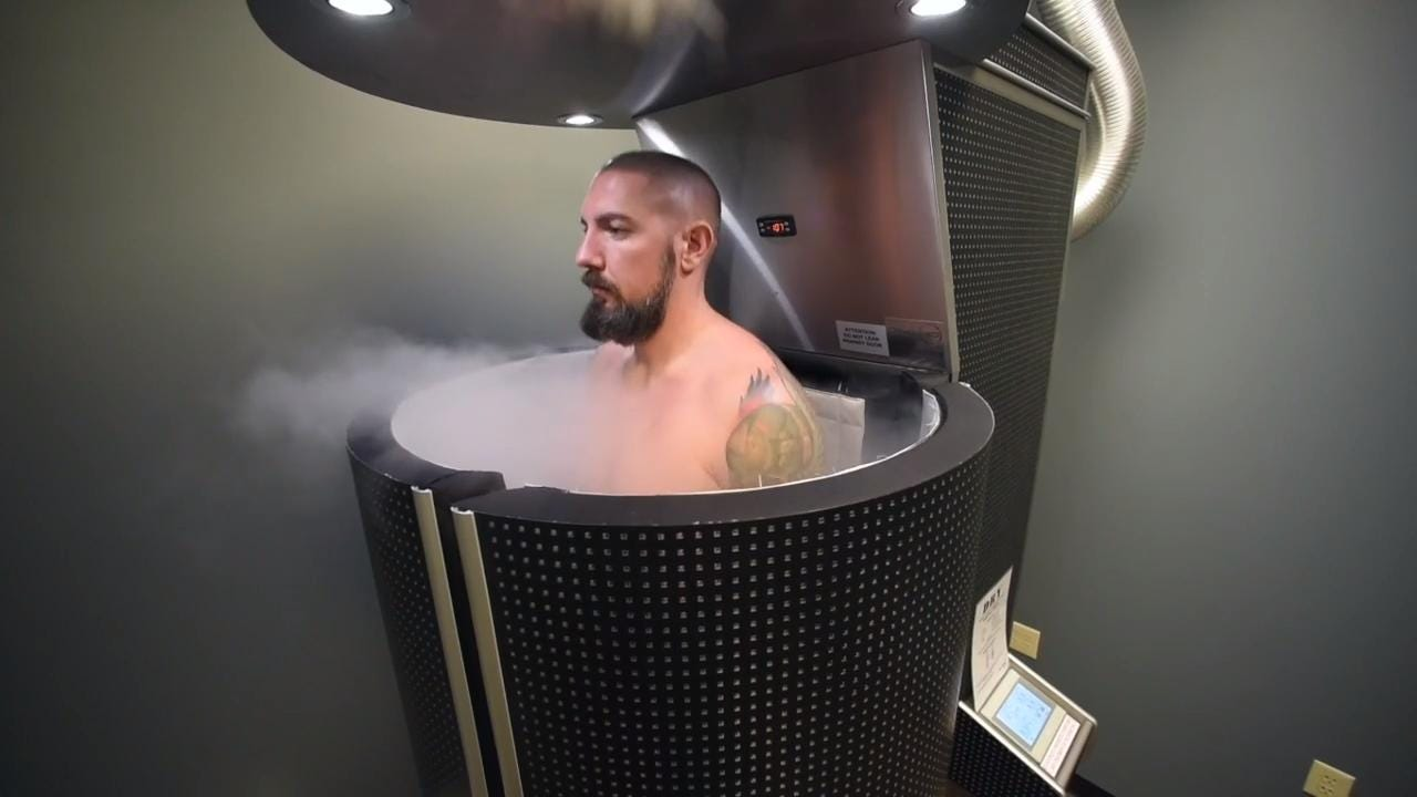 Cryotherapy treatmenst can help chronic pain from injuries and diseases, including rheumatoid arthritis and fibromyalgia.