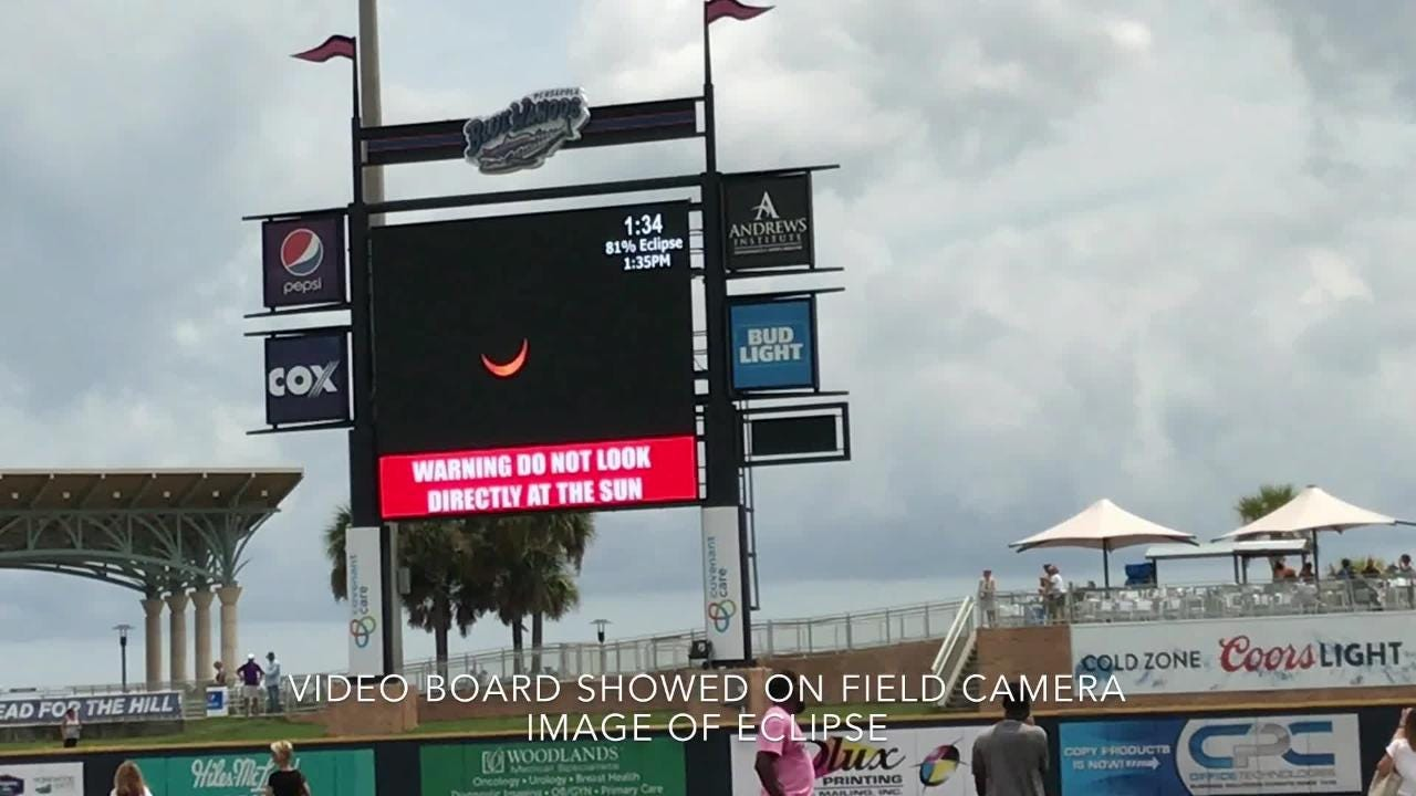 Pensacola Blue Wahoos players, fans experience solar eclipse at stadium.