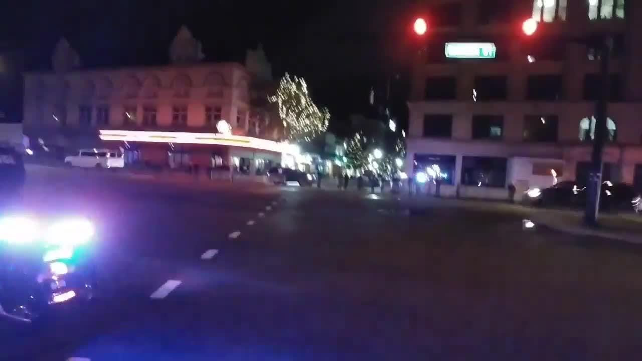 Donald Trump motorcade heads through downtown Pensacola