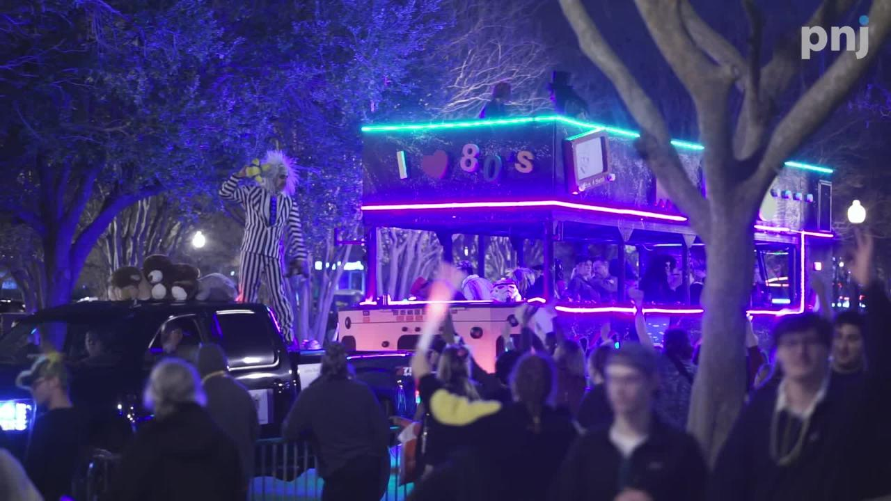 Watch highlight clips of the Krewe of Lafitte Illuminated Parade.