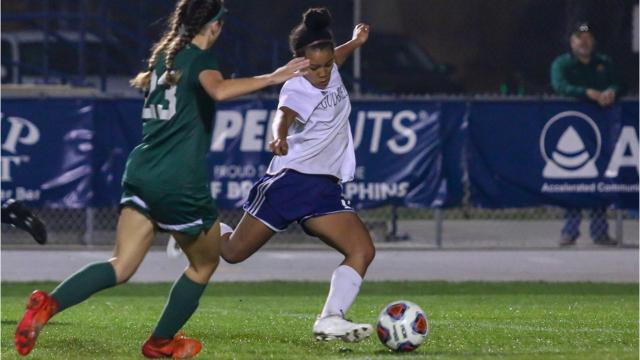 WATCH: Gulf Breeze girls soccer advances to 3A state championship game