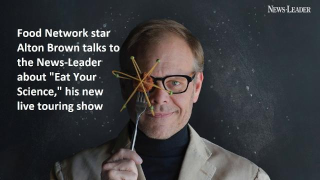 Alton Brown talks with the News-Leader