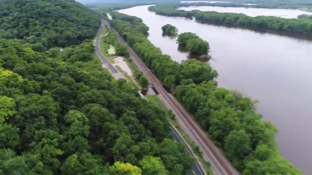Video: Aerial view from a drone of the Mississippi River and Great River Road
