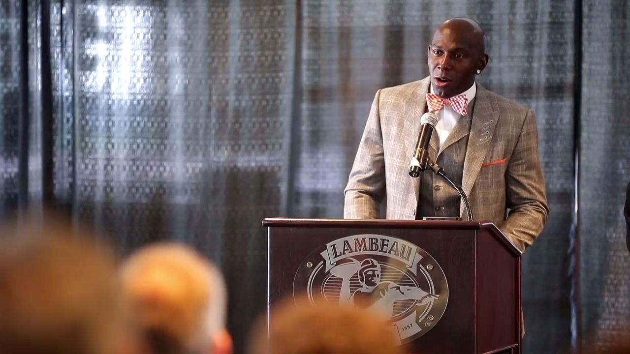 Donald Driver and Mark Lee were inducted into the Green Bay Packers Hall of Fame on July 22, 2017.