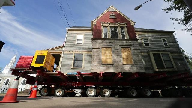 Historic Appleton home hits the road