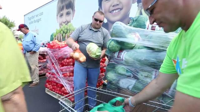 Salvation Army hosts mobile food pantry