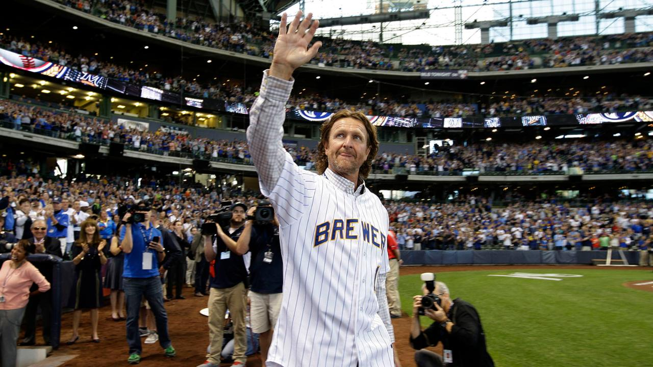 Brewers radio voice Bob Uecker continues to cheat death