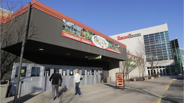 Brown County gives final OK to expo center, room-tax plan