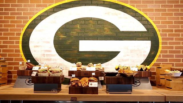 Lambeau unveils new foods for 2017 season