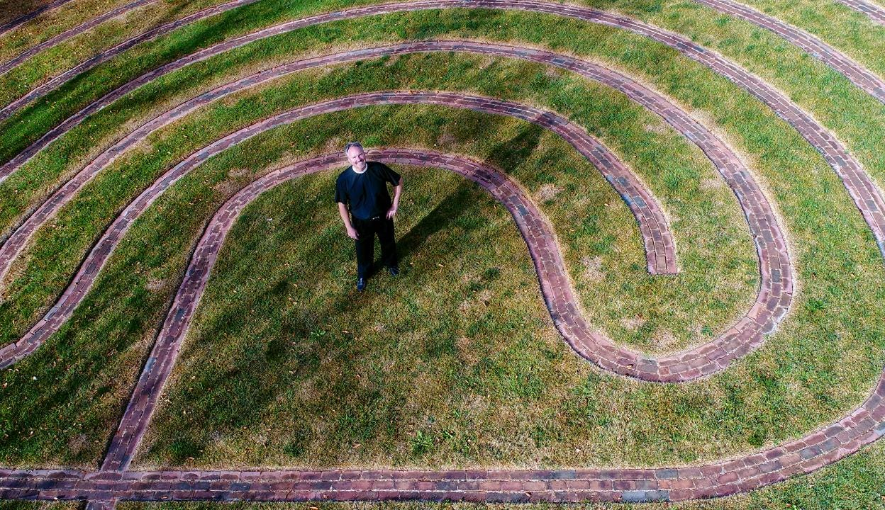 Faithful gesture restores labyrinth