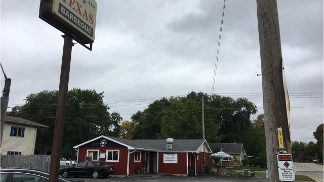 Joe's Texas Barbecue will close for a week or so while it moves from its Ashland Avenue spot to the former Skip's Diner on Holmgren Way. Oct. 12, 2017.