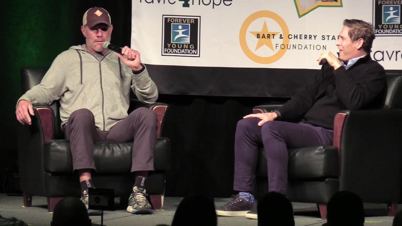 NFL Hall of Fame quarterbacks Brett Favre and Steve Young shared stories from their playing days during the Bart Starr Chalk Talk luncheon held Nov. 6, 2017, in Green Bay, Wis.