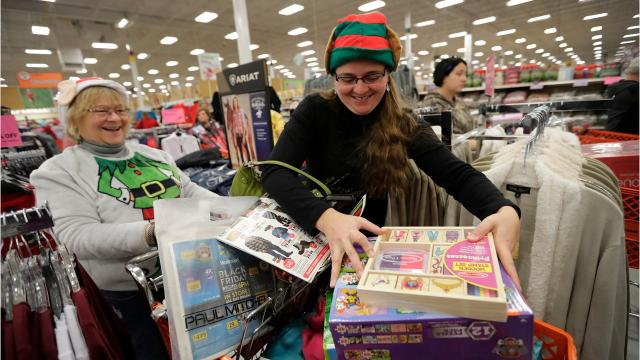 A look at Black Friday shopping activity November 24, 2017 in Grand Chute. (Dan Powers/USA TODAY NETWORK-Wisconsin)
