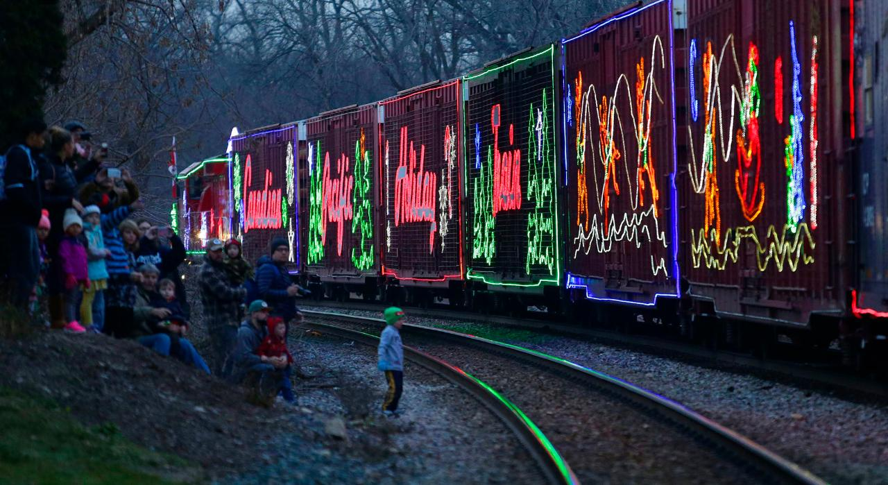 2018 holiday train coming to wisconsin dec 6 8
