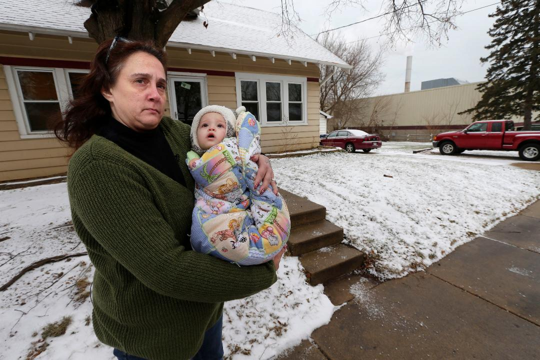 Deborah Kessel can barely go outside. Especially with her grandson. And nearby neighbors P.J. Early and Amy Szuta are tired of the stench and hazards that Mid-America Steel Drum in St. Francis may be causing from smoke emitting from the factory.