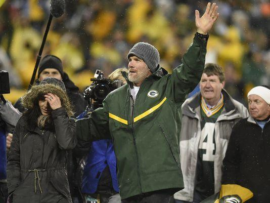 Nagler: No, Favre shouldn't be a Packers coach