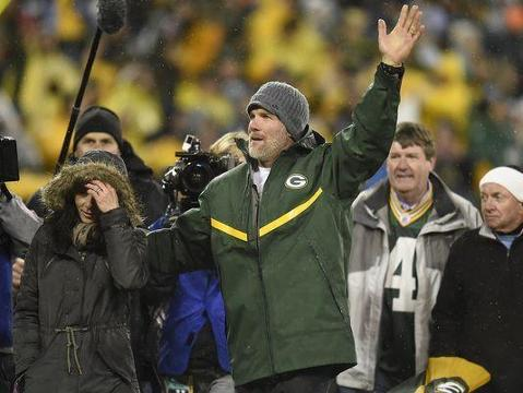 Nagler's chat: No, Favre shouldn't be a Packers coach