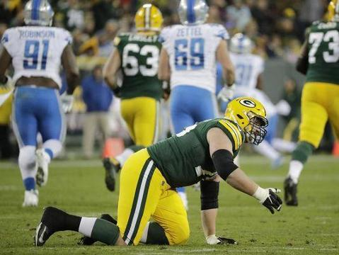 Aaron Nagler Chat: The Packers need to find a right tackle