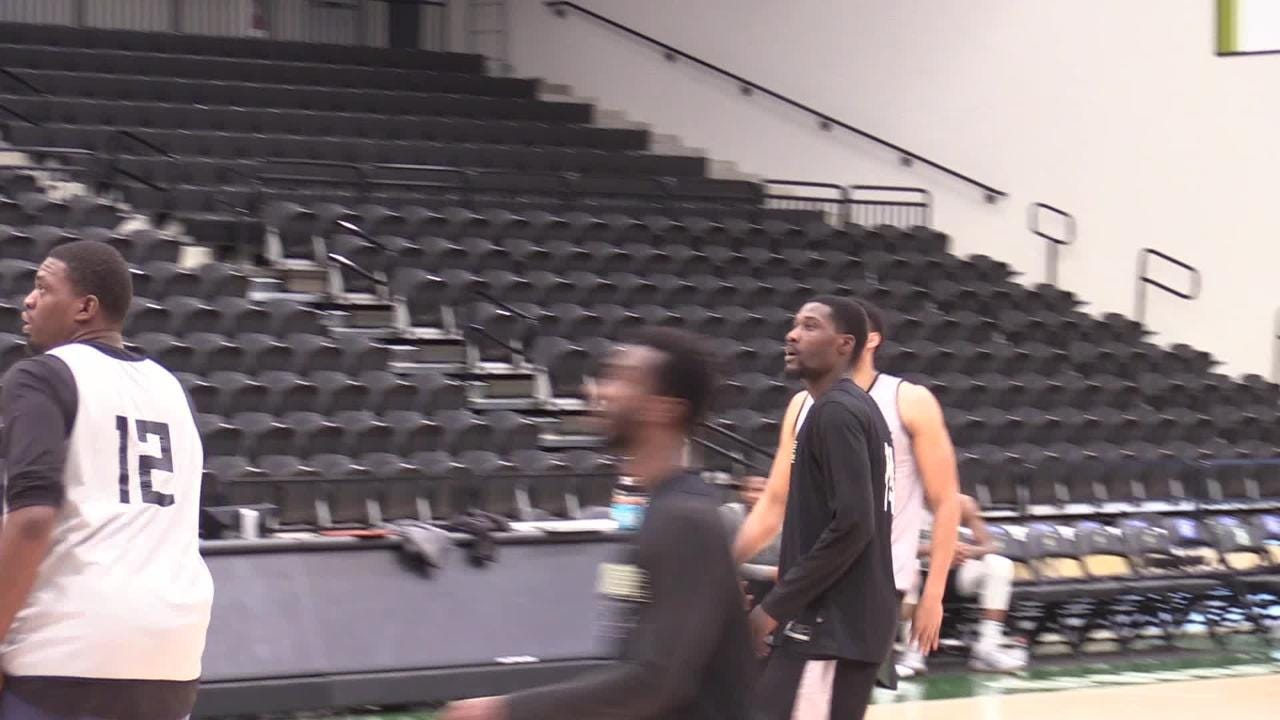Jabari Parker practices with the Herd.