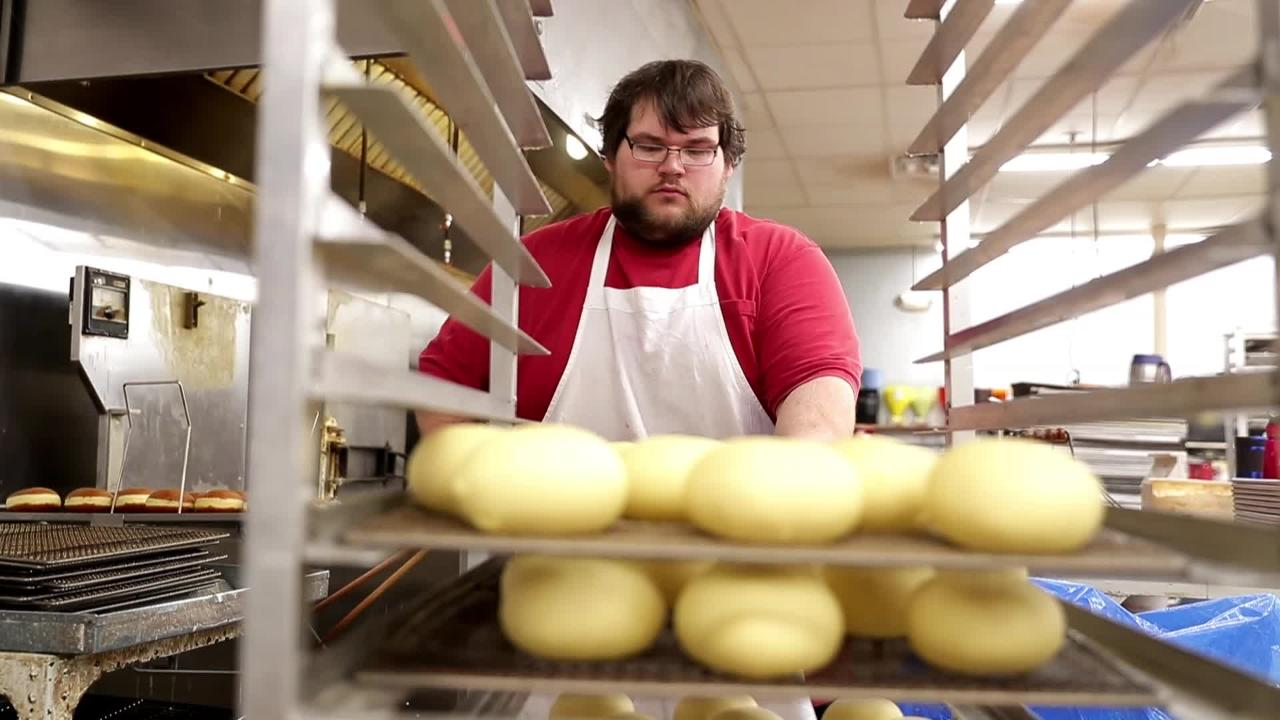 Smurawa Country Bakery in Pulaski makes thousands of paczkis, a traditional Polish pastry, annually for Fat Tuesday.