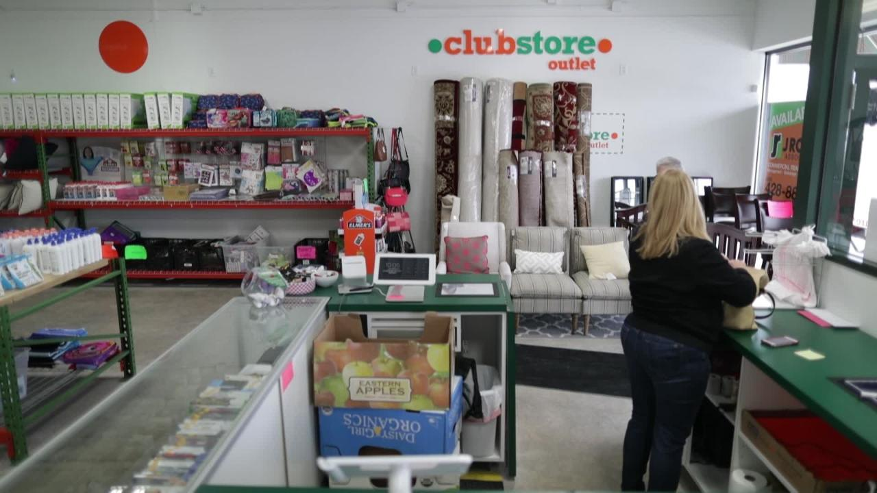 Bruce and Cindy Schooley, who bought a Clubhouse Outlet franchise in 2016, say they've been drained of hundreds of thousands of dollars in territory and franchise fees, set-up costs and truckloads of merchandise they couldn't sell.