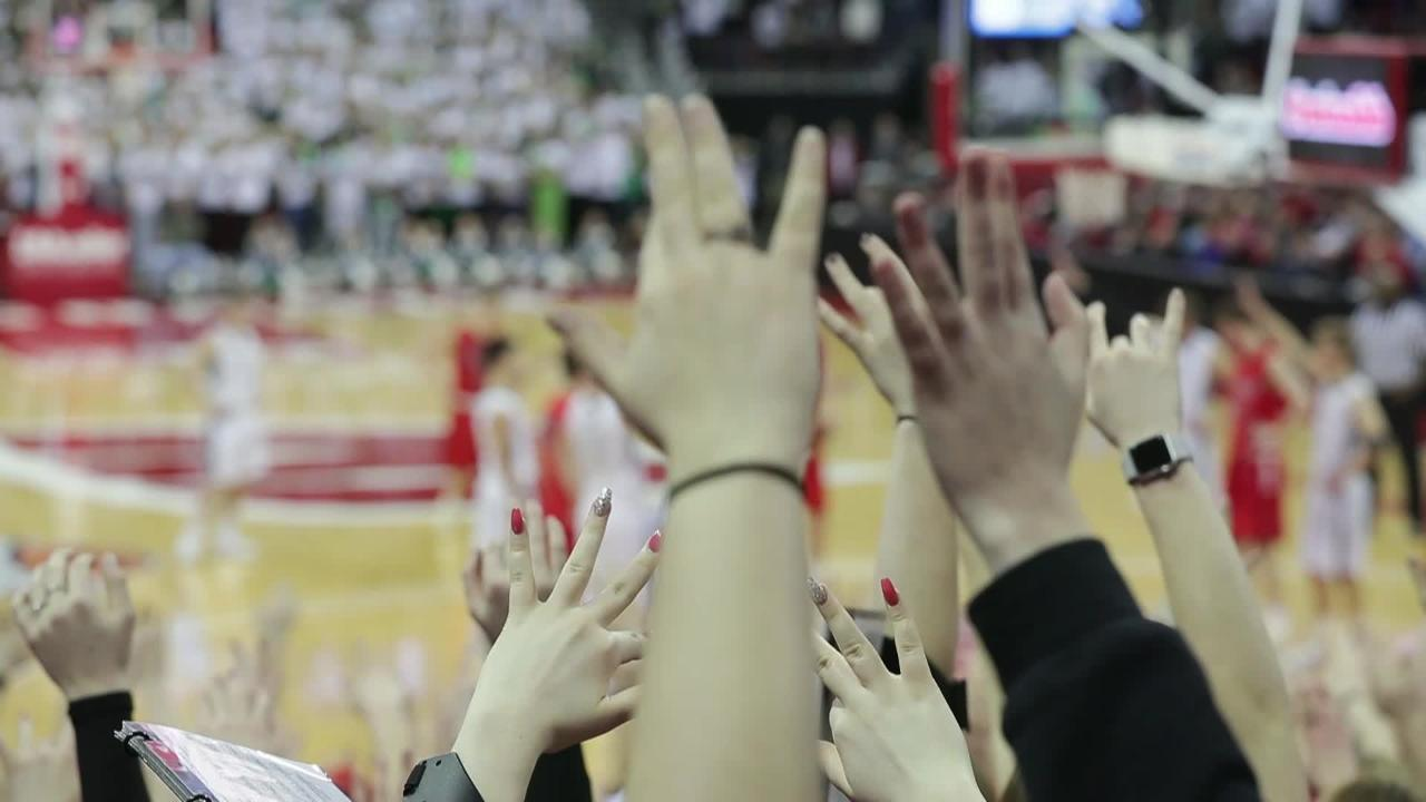 Sights and sounds from Day 1 of the WIAA state boys basketball tournament at the Kohl Center in Madison, Wis. (March 15, 2018)