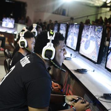 Now you can follow the Bucks and their eSports team