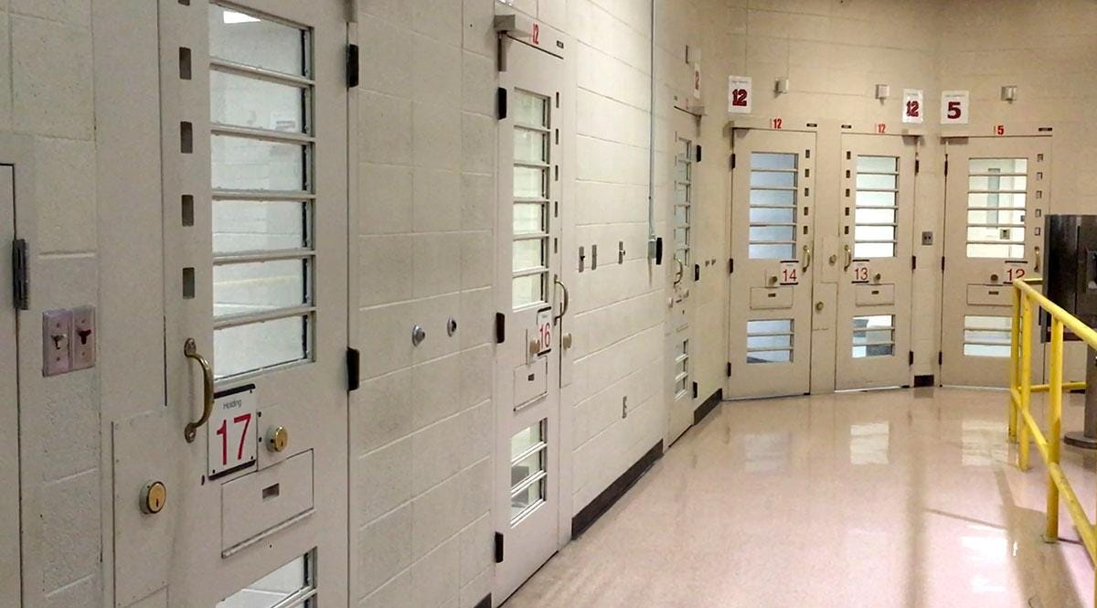 tour inside the milwaukee county jail