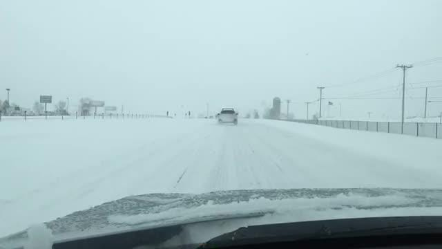 Watch: What it was like driving I-41 in blizzard