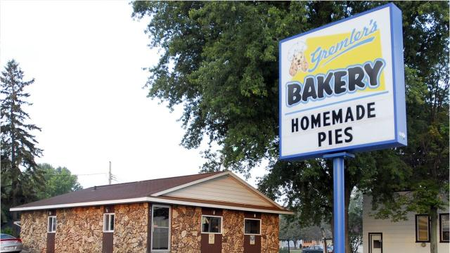 The bakery will be open for the first time since 2015 in Wisconsin Rapids.